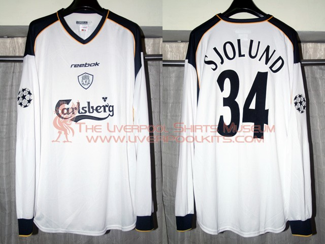 Liverpool 2001-2002 Away Champions League Player Shirt (with small Carlsberg)