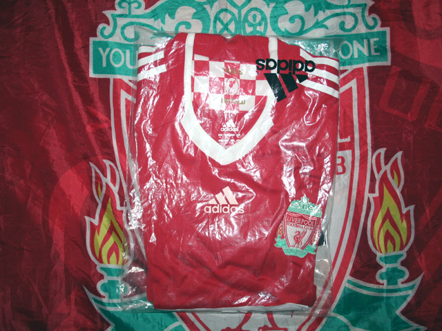 Additions to the Liverpool Shirts Museum LFC08HNCP-a