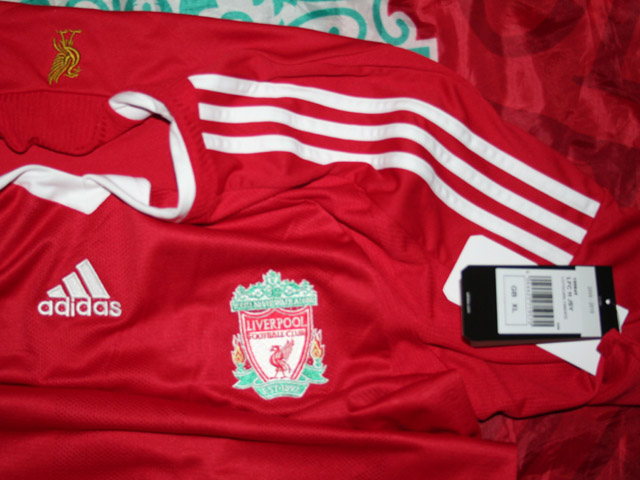Additions to the Liverpool Shirts Museum LFC08HNCP-f