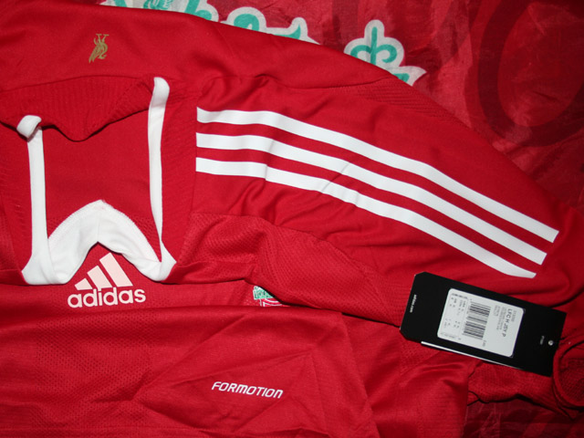 Additions to the Liverpool Shirts Museum LFC08HNCP-g