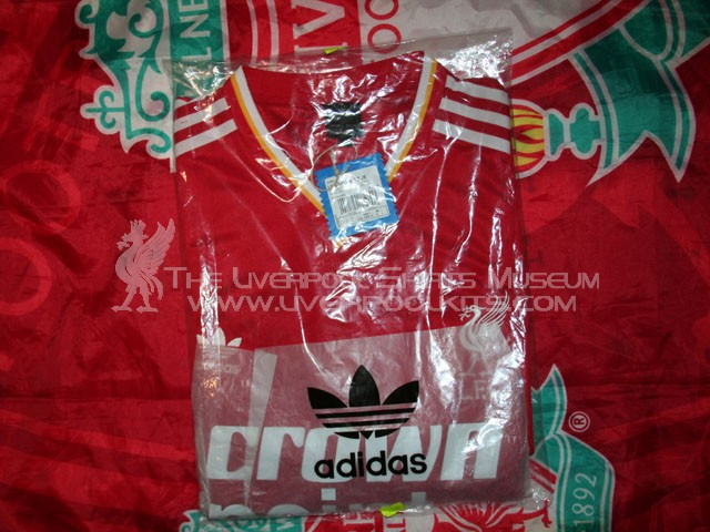Additions to the Liverpool Shirts Museum - Page 4 LFC85HR-b